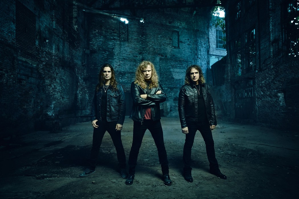 megadeth-dystopia-word-tour-2016-group-picture-1050x700